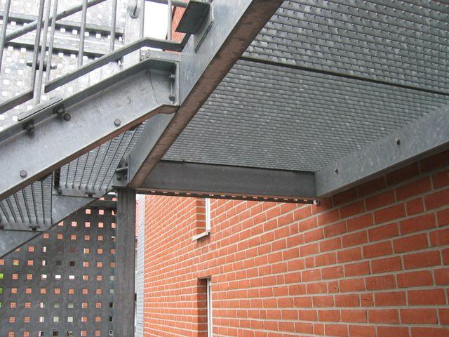 balkone und treppen aus metall. Black Bedroom Furniture Sets. Home Design Ideas